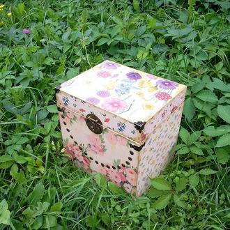 """Сундук, короб для вещей """"Цветочный"""""""