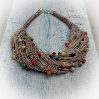 Эко-колье из натурального итальянского льна и разноцветных деревянных бусин.
