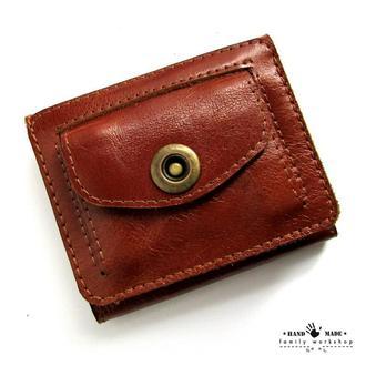 Компактный кошелек из натуральной кожи ручной работы.