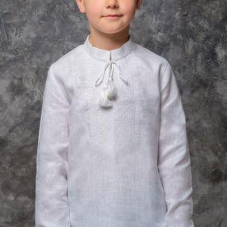 Вышиванка для мальчика Белым по белому