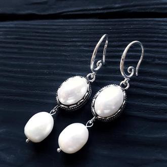 Сережки з великими натуральними перлами та перлами Майорка серьги с жемчугом, серебряными застежками