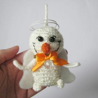 Вязаное украшение на ёлку - снеговик