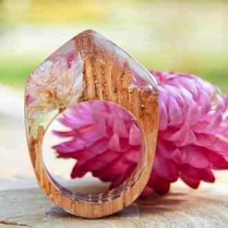 Кольцо из дерева с сухоцветом гомфрены, розовое кольцо, кольцо из эпоксидной смолы и дерева, подарок
