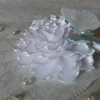 "Заколка ""Метелик на квітці"""