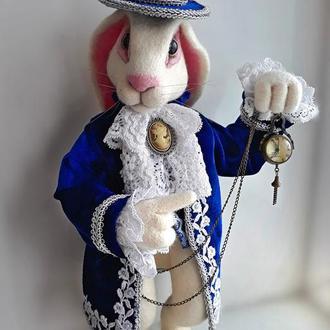 Белый кролик.Интерьерная игрушка . Алиса в стране чудес.