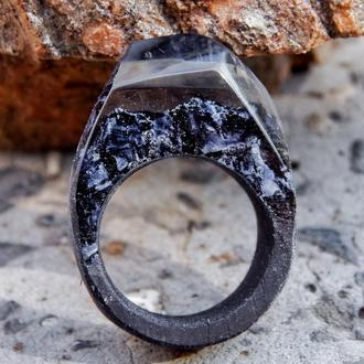 Кольцо из дерева и эпоксидной смолы, чёрное кольцо, классическое деревянное кольцо, подарок