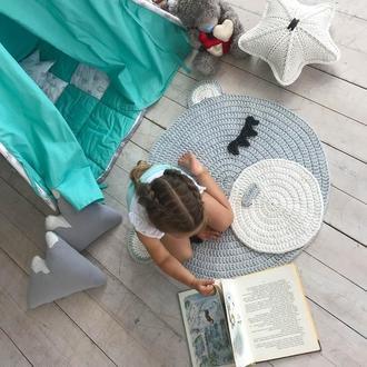 Вязаный коврик-мишка в детскую комнату