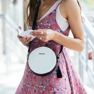 Круглая Сумочка Tablet Черно-Белая