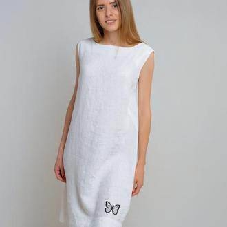 Лляна сукня-трапеція із елементами вишивки