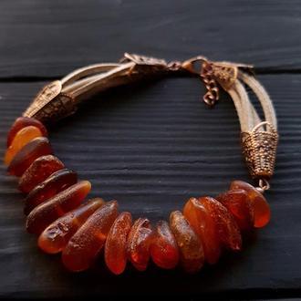 Браслет з натурального необробленого бурштину браслет из янтаря и эко замши