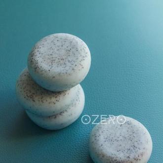 Мыло-скраб ручной работы с голубой глиной и семенами мака