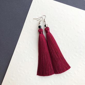 Серьги кисти бордового цвета