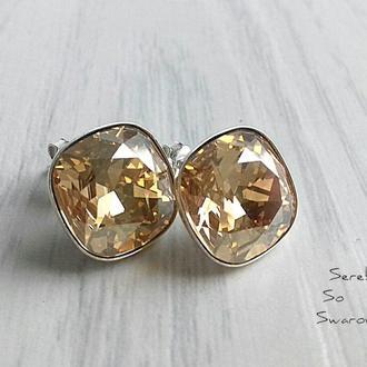 Серебряные серьги -гвоздики со Сваровски