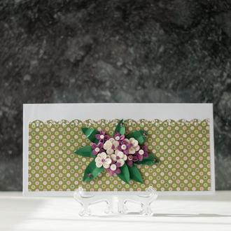 """Подарочный конверт для денег ручной работы в технике квиллинг """"Фиолетовый праздник"""""""