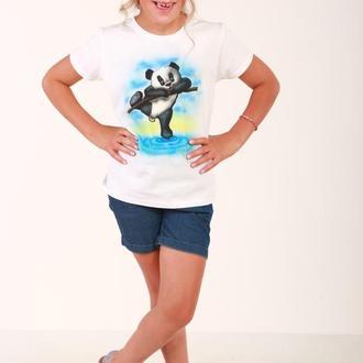 Яркая футболка для девочки с пандой