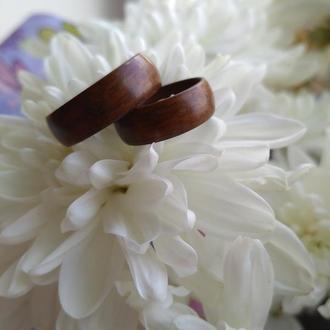 Парные деревянные обручальные кольца из палисандра (Santos Rosewood )