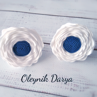 Резиночка для волос с цветочками из фоамирана