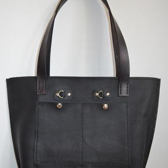 Большая  практичная кожаная сумка черная.