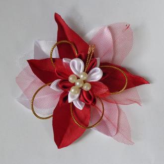 """Резинка """"Аленький цветочек"""" . Выполнена из атласных лент."""