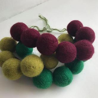Украшение колье объемные валяные бусы трехцветное зеленый/оливковый/бордовый