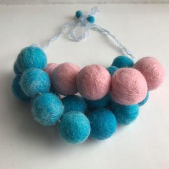Украшение колье объемные бусы розово-голубое