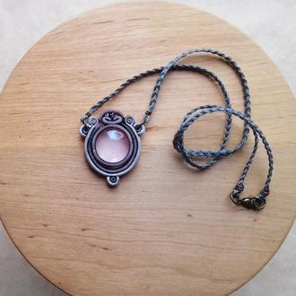 Розовый кулон, бохо кулон, необычный кулон, кулон из полимерной глины, подарок девушке