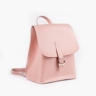 Женский рюкзак нежно-розового цвета