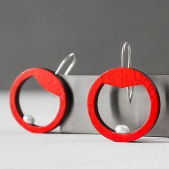 Красные серьги Поліформа с жемчугом