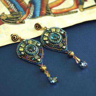 Серьги в египетском стиле с лабрадоритами, вышитые бисером серьги