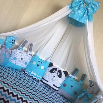 Бортики и постельное белье в детскую кроватку