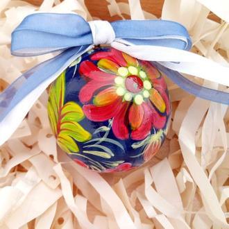Новогодняя игрушка, деревянный синий елочный шар с ручной росписью.