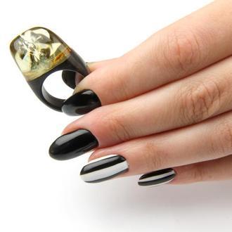 Дереянное кольцо с натуральным янтарем