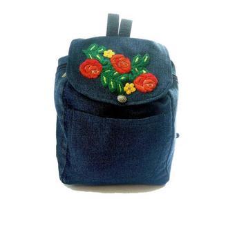 Уникальный джинсовый рюкзак с вышивкой