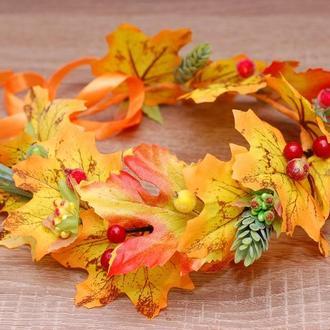 Осенний венок веночек на голову из листьев, ягод и хмеля на праздник осени
