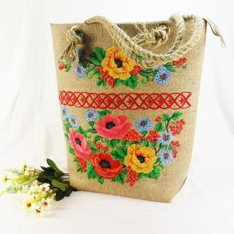 Большая вышитая сумка из джута ( мешковины)