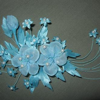 Цветочная веточка в голубых тонах