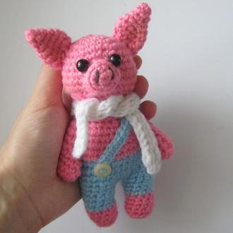Вязаная игрушка - свинка
