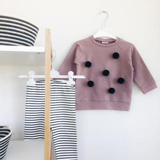 Костюм для девочки полосатые штаны и свитшот с помаонами
