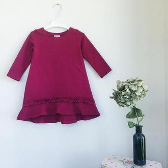 Платье для девочки с воланом малиновое