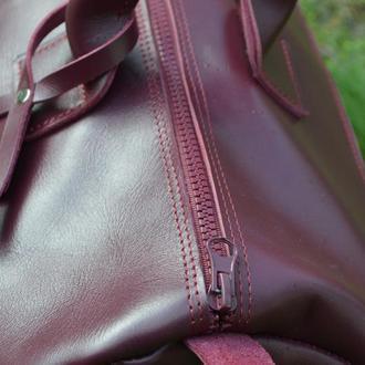 15bb462a2c4f Брендовый кожаный саквояж