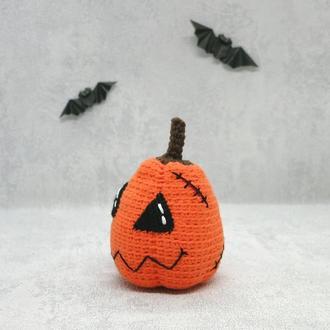 Вязаная крючком тыква-Франкенштейн на Хэллоуин