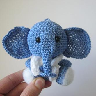 Вязаная игрушка/ брелок - слонёнок