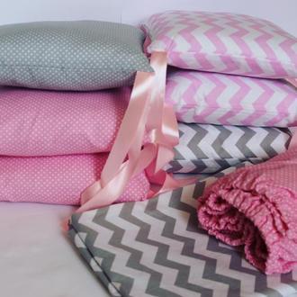 Постельный комплект в кроватку для новорождённого