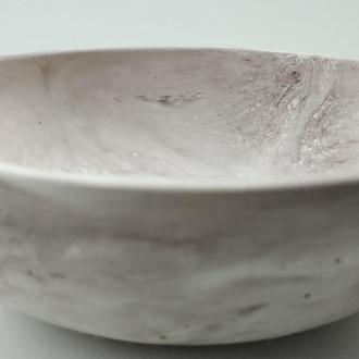 Тарелка из бетона - кофе с молоком