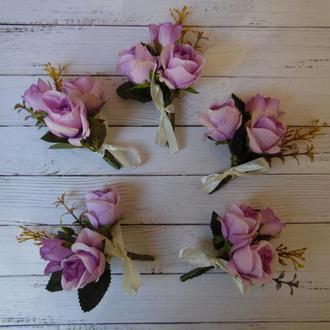 """Бутоньерка для свидетеля, гостей """"Три розы"""" из искусственных цветов"""