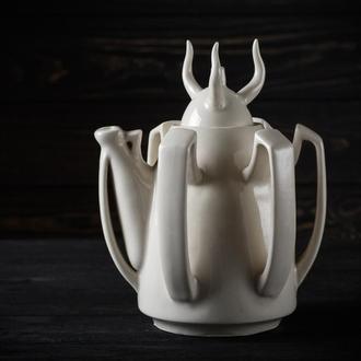 Дизайнерский чайник ручной работы из белого фарфора Уникальный подарок