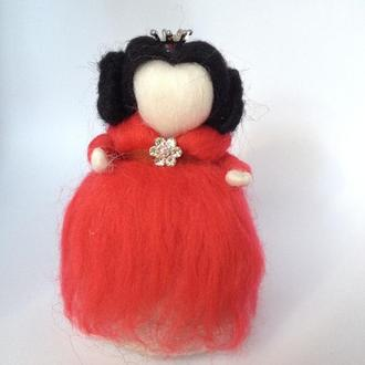 Интерьерная кукла из шерсти