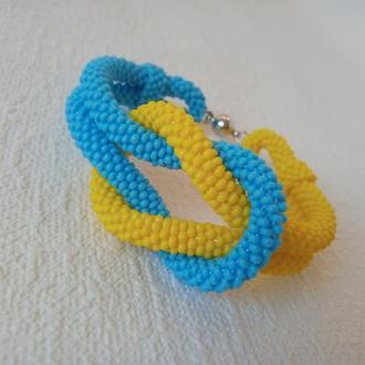 Желто-голубой узелочек - браслет,украшение, жгут из бисера
