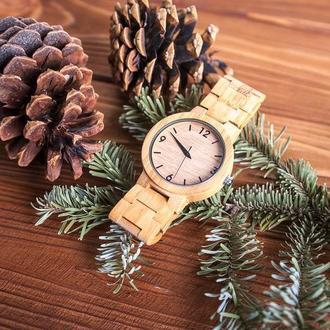 Деревянные часы Калипсо с гравировкой (женские)