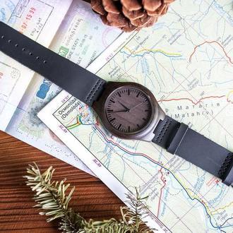 Деревянные часы Арго с гравировкой (Мужские)